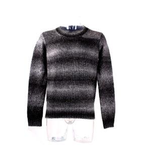 Maglione ANTONY MORATO a righe di colore grigio e nero da uomo collezione autunno inverno abbigliamento firmato prodotto continuativo ingrosso grossisti stock stocchisti