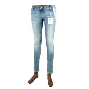 Jeans FRACOMINA di colore azzurro chiaro con strass laterali nuova collezione autunno inverno abbigliamento firmato donna ingrosso grossisti stock stocchisti