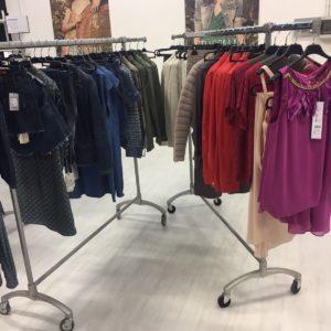 LOTTO DI ABBIGLIAMENTO MISTO LIU-JO abbigliamento firmato donna accessori firmati emilia romagna ingrosso vendita abbigliamento stock grossisti stocchisti