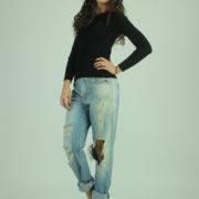 Jeans con strappi MET abbigliamento firmato donna accessori firmati emilia romagna ingrosso vendita abbigliamento stock grossisti stocchisti