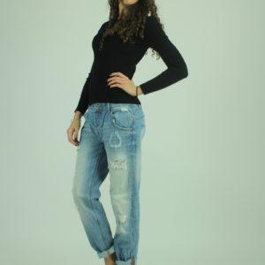 Jeans con strappi FRACOMINA abbigliamento firmato donna accessori firmati emilia romagna ingrosso vendita abbigliamento stock grossisti stocchisti